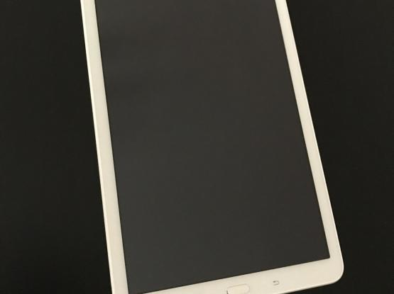 Samsung Tab4, No Scratch, No Damage, Like New.