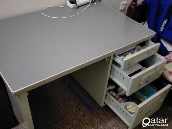 Heavy duty Steel Study Table