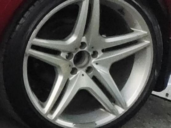 Mercedes Benz AMG 20 inch Rim with Pirelli Tire