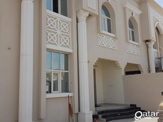 3 bedroom whole villa 1 st floor rent in shabiyat khalifa