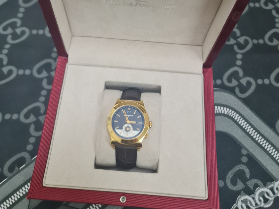 Unised Authentic FERRAGAMO 38MM Watch