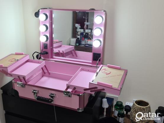 Brand new Rolling Makeup  Train Box with  Lights Station Trolley Studio Wheeled with led lights