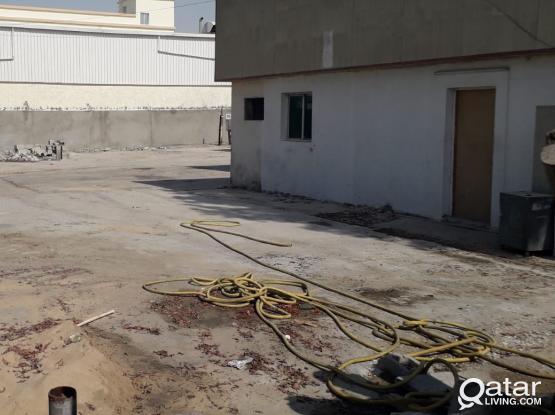 GARAGE WORKSHOP YARD FOR RENT IN INDUSTRIAL AREA 1600 SQMTR with 2 room