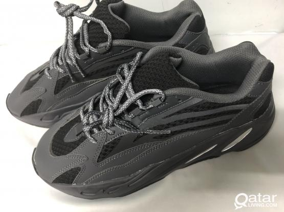 Yeezy Boost 700 Model Triple Black (NEW)