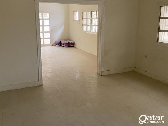 4bedroom villa in al markhiya