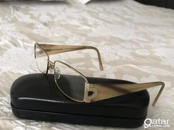 Reading glasses with crystal decoration