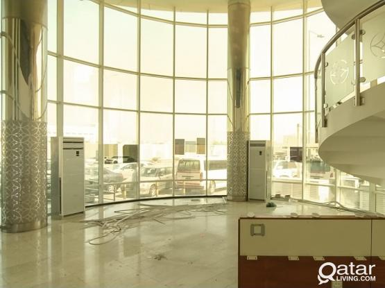 180 Sqm Showroom + Office Space Available in Bin Omran