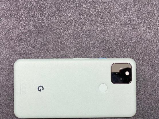Pixel 5 (Sage Green)