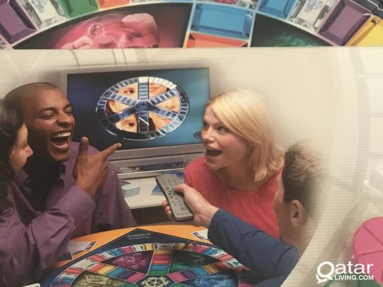 """Popular """"Trivial Pursuit """" family board game (NEW)"""