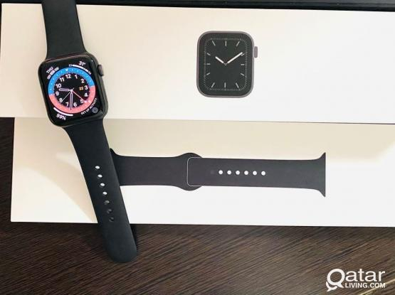 Apple Watch 5 Series - 44mm Space Grey