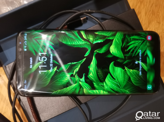 Samsung Galaxy s8 plus with apple airpods