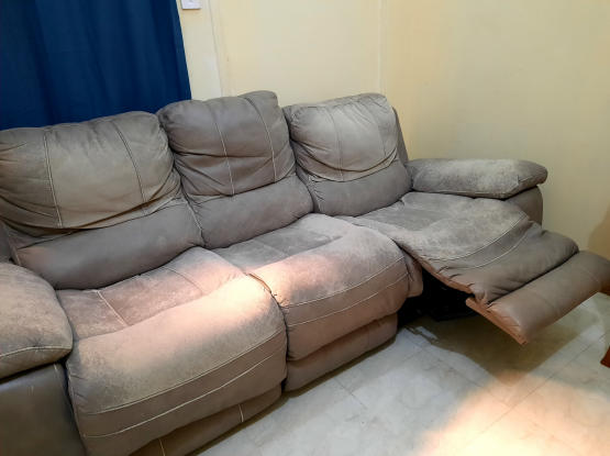 3 seater Recliner leather sofa forcsale