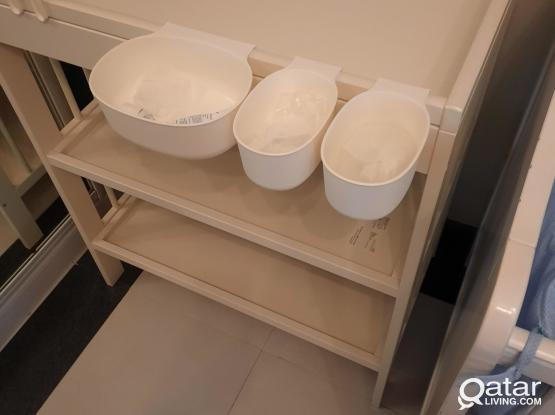 IKEA changing table + accessories like new
