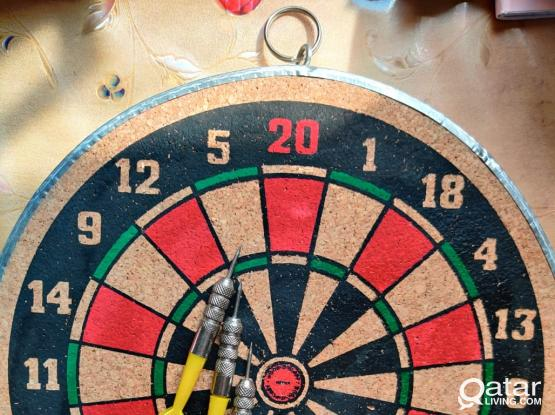 DARTBOARD DOUBLESIDED with pins.