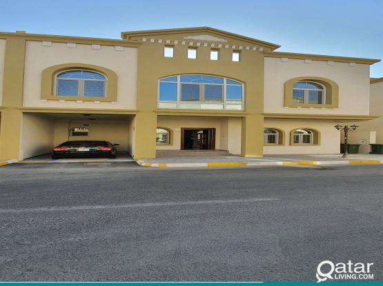 UMM AL AMAD 5 BHK UN-FURNISHED COMPOUND VILLA