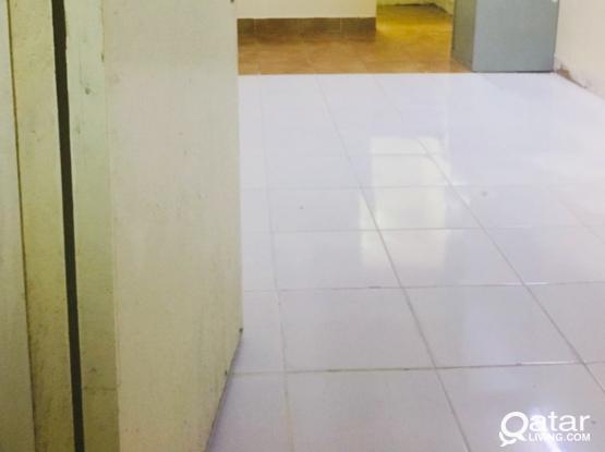 Studio room  Available in Mathar Qadeem