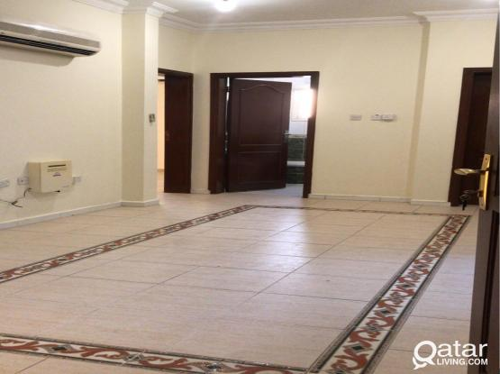 Spacious U/F 3BHK in Madinath Khalifa+1 month free