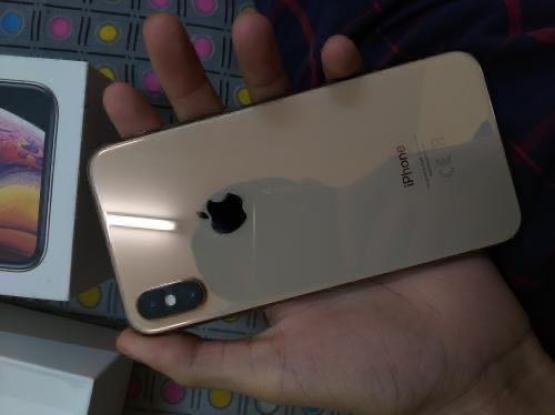 Iphone XS Gold 64gb With Warranty From Al Anees