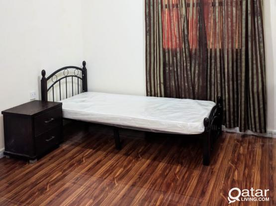 FURNISHED ROOM / BED SPACE FOR EXE. BACHELORS IN NAJMA (Free W&E)