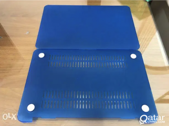 MacBook Air 11inch Blue Hard Case Clean and in good condition.