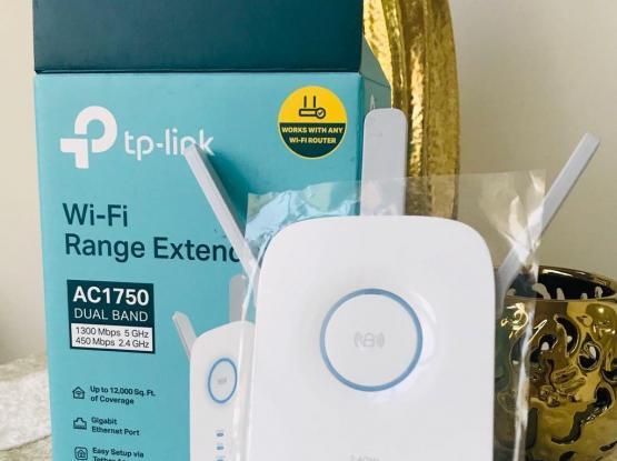 Tp-link WiFi Range Extender 12,000 Sq. Coverage