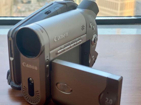 Canon Camcorder DC20 Like New