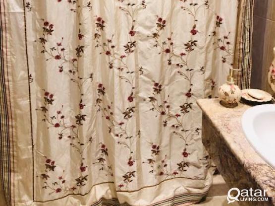 Dwell Brand Shower Set - Like New