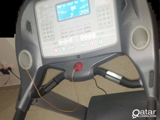 AC Motorized Treadmill Light Commercial Use SPRINT 9875A