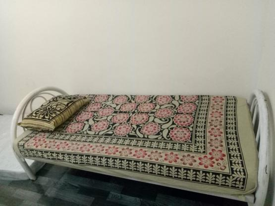Al wakra one room available retail super marke bal