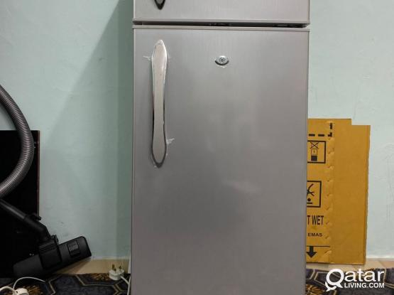 Refrigerator Geepas 180 Liters