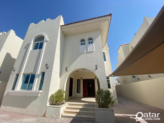 Stunning and Huge (6BHK + Outhouse) Stand Alone Villa in Duhail behind Landmark