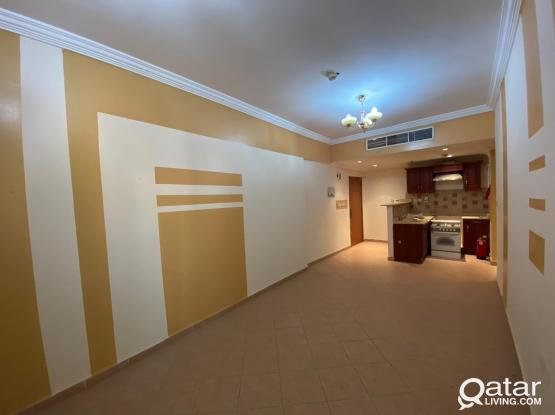 (FREE Water & Electricity) Lovely and Quiet 1BHK in Old Salata near Corniche and Qatar Museum