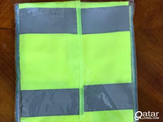 Safety vest for workers and engineers - size XL - new