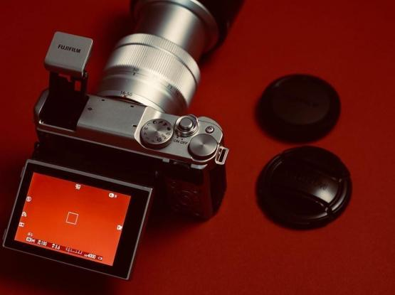 Fujifilm XA10 Mirrorless Camera - Mint Condition