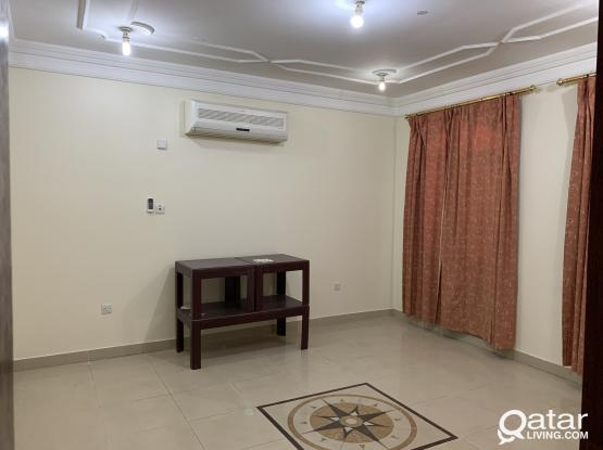3BHK OLD BUT NICE AT OLD AIRPORT