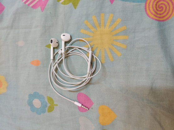 Iphone Earphone & Sony Earphone Both Original