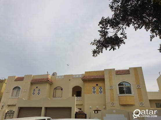 No Commission - 5 Bedrooms Villa in Al Thumama