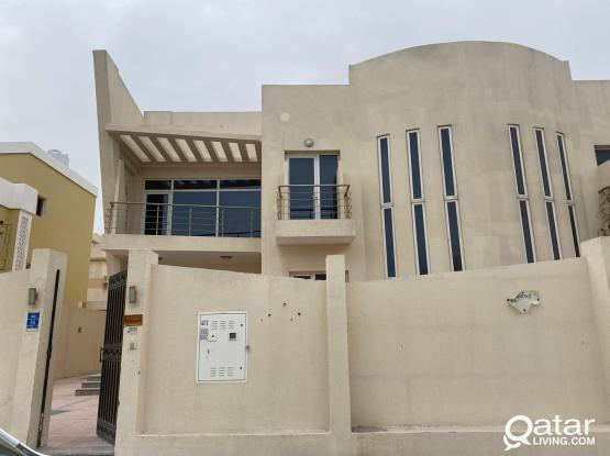5 Bedrooms Villa Abu Hamor