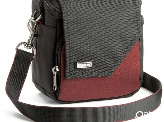 S > Think Tank Photo Mirrorless Mover 10 (Deep Red)