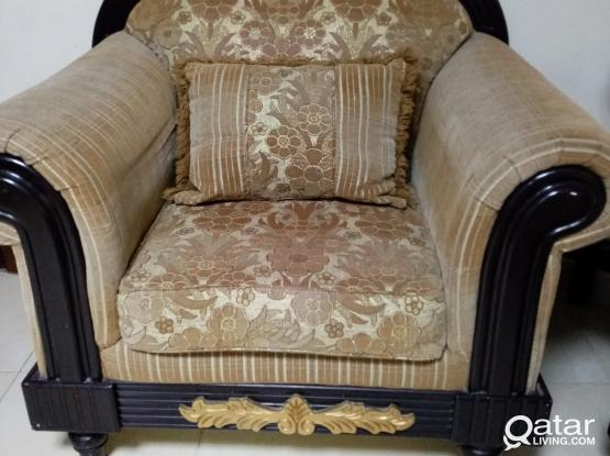 Wooden sofa set for sale. Very good quality 2+2+1seater