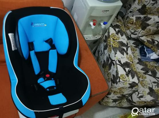 ALMOST NEW***Jaeyun Infant Car seat Convertible Blue