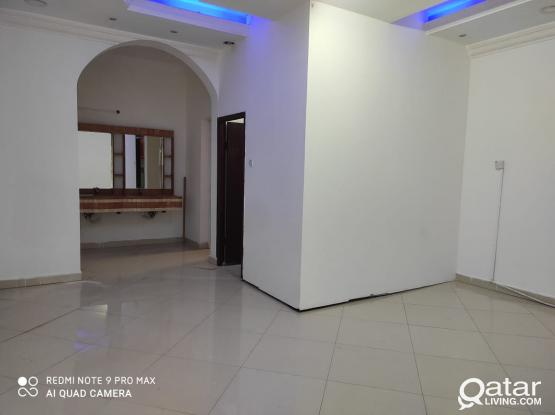 SPACIOUS AFFORDABLE 1BHK AVAILABLE FOR FAMILIES    NO COMMITIONS!!!! NO