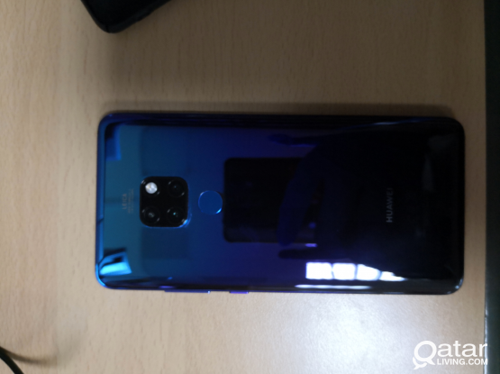 HUAWEI MATE 20(128/6)FOR SALE
