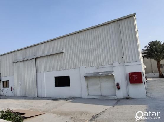 2000 Store / Workshop & 13 Rooms For Rent