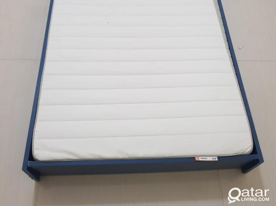 bed and mattress size 200*95*25cm