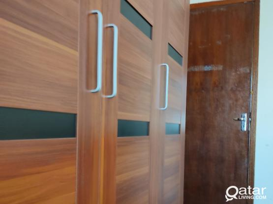 EXECUTIVE BACHELOR ROOMS IN FLATS OLD AIRPORT NEAR LULU HYPER MARKET