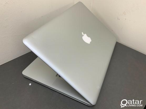 "Apple macbook PRO - i7 -- 17"" size !"