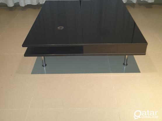 IKEA_Coffee table, high-gloss black95x95 cm