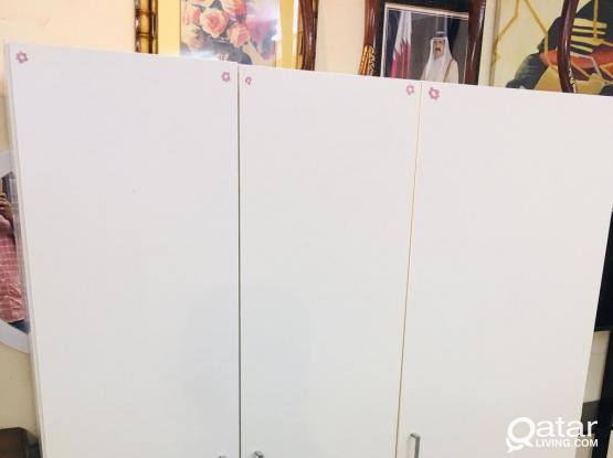For sell 3 Door cupboard