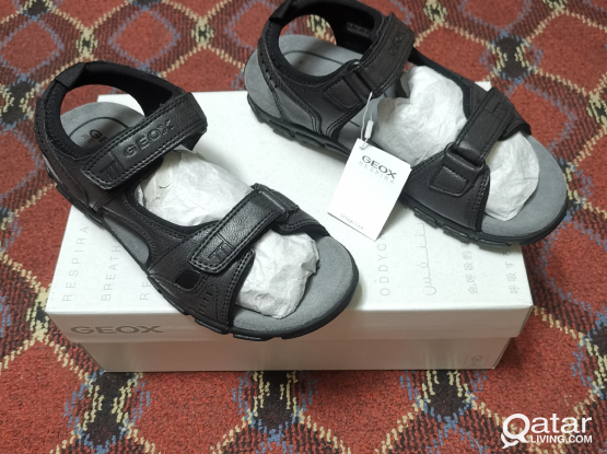 MENS SANDALS FOR SALE (NEW)